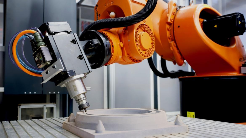 Kostengünstige Roboter statt teure Werkzeugmaschinen