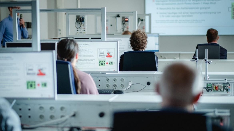 Schwerpunkt: Produktionstechnische Informationstechnologien